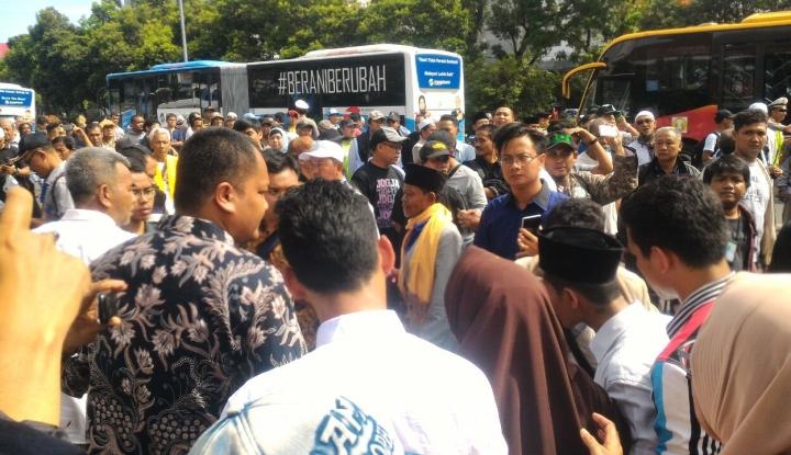 Foto Berita Selama Sidang Ahok, Sebagian Jalan RM Harsono Ditutup