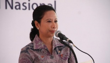Foto Menteri Rini Bakal Dipanggil KPK, Bahas Pengadaan Barang