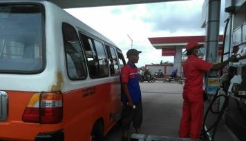 Foto Pertamina Resmi Terapkan BBM Satu Harga di Kecamatan Paloh dan Seruyan