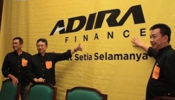 Foto Hari Ini, Obligasi dan Sukuk Adira Finance Senilai Rp832 Miliar Tercatat di BEI