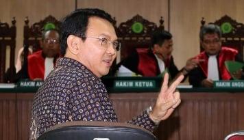 Foto Jokowi Harus Tegas Sama Ahok