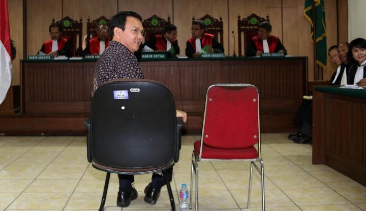 Foto Berita Ahok Heran, Seluruh BAP Saksi-saksi Pelapornya Sama