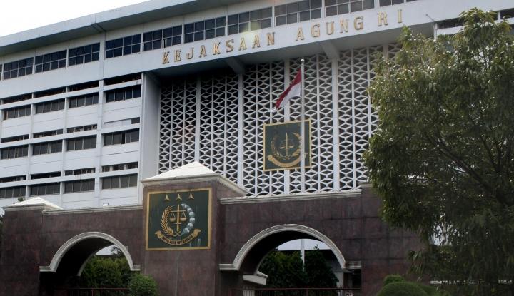 Foto Berita Kejagung Gaet KPK Susun Kasasi La Nyalla