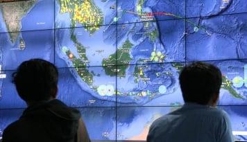 Foto Hujan Es Kembali Landang Bandung