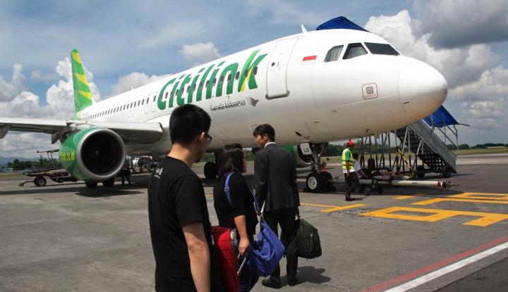 Foto Berita Merokok di Pesawat Diancam Pidana