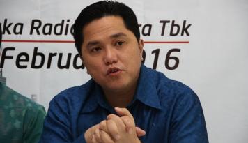 Foto Tengah Diawasi Bursa, Saham Perusahaan Erick Thohir Jeblok