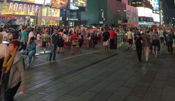 Foto Jelang Kedatangan Obama ke Bali, Indonesia Dapat Endorse Promosi di Times Square