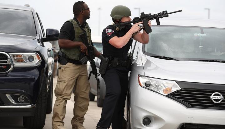 Foto Berita Trump Kirim 800 Tentara ke Perbatasan AS-Meksiko