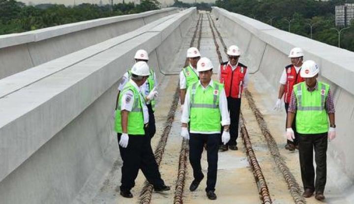 Foto Berita Menteri Budi Karya Puji Teknologi Adhi Karya Dalam Proyek LRT