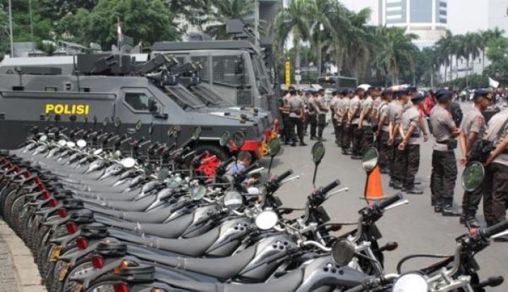 Foto Berita 1.945 Personel Kepolisian Disiagakan Jaga Perayaan Tahun Baru