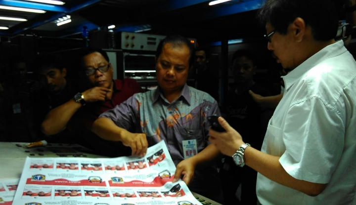 Foto Berita Mati Lampu, Produksi Surat Suara Pilgub DKI Menyusut