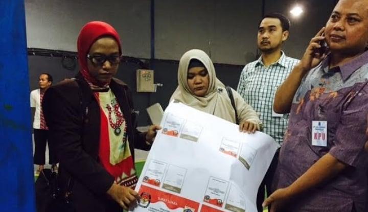 Foto Berita Jelang Pilkada Serentak, KPU Pantau Pencetakan Surat Suara di Pulo Gadung