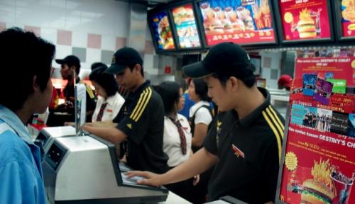 Foto Buka Rekrutmen, Pelamar McDonald Capai 19 Ribu Orang