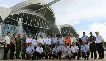 Foto Antisipasi Demo Buruh, Pengamanan di Bandara Hasanuddin Diperketat