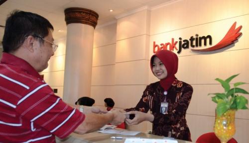 Foto Pakde Karwo Yakin Aset Bank Jatim Tembus Rp 100 Triliun