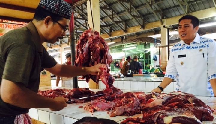 Foto Berita BBM Naik, Harga Pangan di Sambas Normal