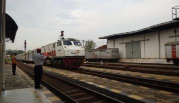 Foto KAI Siapkan 19 Kereta Api Tambahan untuk Lebaran
