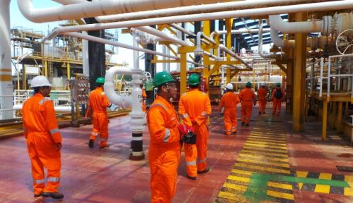 Foto Pemerintah Turunkan Harga Gas untuk Industri