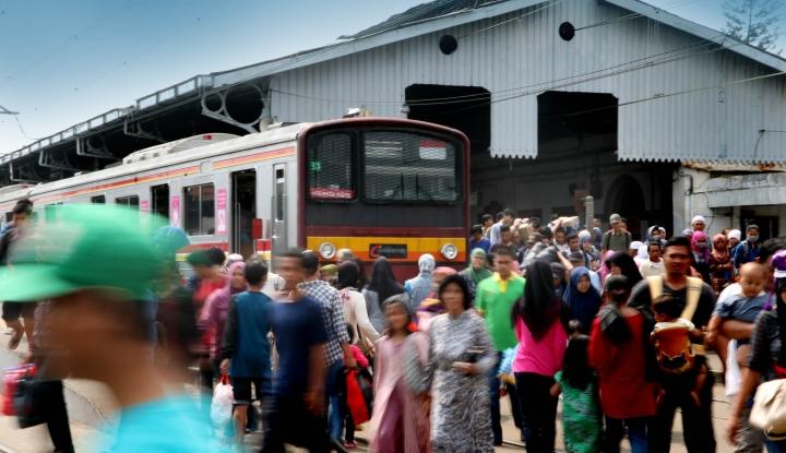 Foto Berita Loh, KCI Kembali Gunakan Tiket Kertas