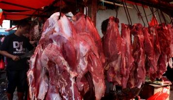 Foto Jelang Libur Natal Bulog Tambah 6 Ton Daging Beku