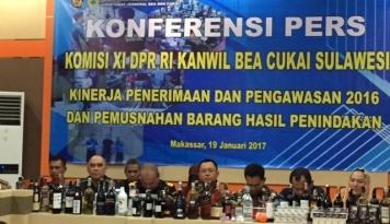 Foto Penerimaan Negara dari Bea Cukai Sulawesi Tembus Rp518,22 Miliar