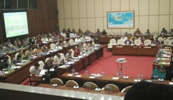 Foto DPR Pastikan Badan Pangan Nasional Segera Berdiri