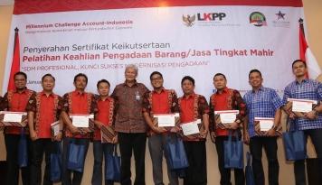 Foto LKPP Wisuda 90 SDM Ahli Pengadaan