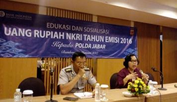 Foto Di Bandung, BI Tegaskan Uang Rupiah Tak Memuat Logo Palu Arit