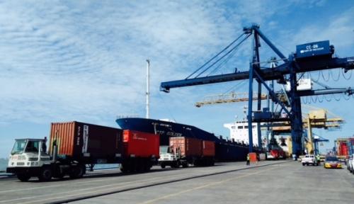 Foto Aktivitas Ekspor-Impor Sulsel Terbesar di Pelabuhan Malili dan Makassar