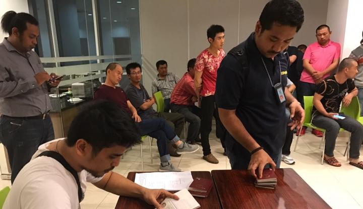 Foto Berita Imigrasi Palembang Depak Tujuh Warga Tiongkok
