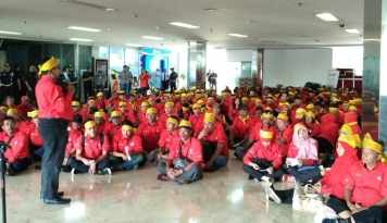 Foto SP PLN Minta Prioritaskan Pekerja Lokal