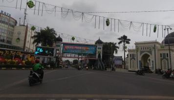 Foto Imlek, Sentra Bisnis di Wilayah Ini Seperti Kota Mati