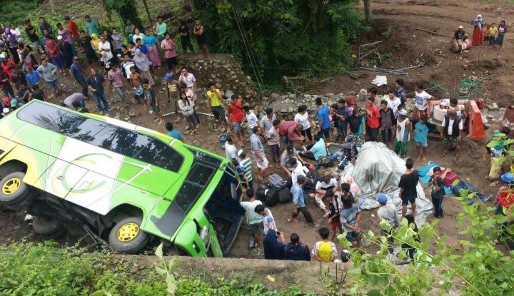 Foto Berita Polda Bali: Kecelakaan Gilimanuk Akibat Kehilangan Kendali