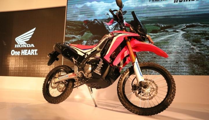 Foto Berita Masyarakat Bali Lirik Motorcross Honda