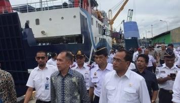 Foto Raker di Kampung, Gubernur Maluku Boyong Seluruh SKDP ke Manipa