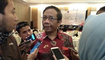 Foto Mahfud: Jangan Beri Info Sesat ke Jokowi soal Cawapres