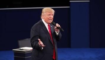 Foto Ada Sisa Makanan Nempel di Gigi, Jubir Trump Di Bikin Meme