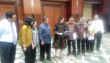 Foto Sebelum Uji Kelayakan dan Kepatutan, Anggota DPR Panggil Pansel OJK
