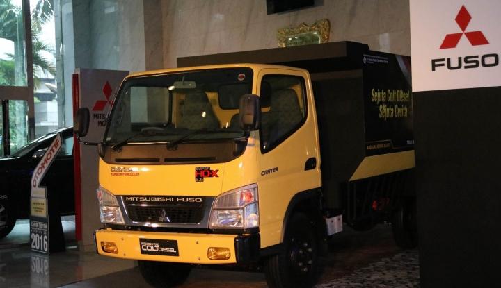 Foto Berita Mitsubishi Hibahkan Colt Diesel kepada SMK