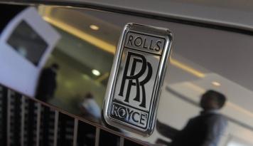 Foto Terlibat Skandal Suap, Rolls-Royce Derita Kerugian Terbesar