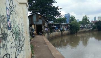 Buat Warga di Daerah Rawan Banjir Siap-Siap Bakal Digusur Mas Anies, Terus Dipindah ke..