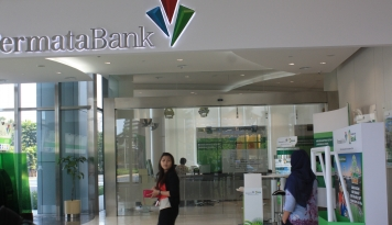 Foto Juni 2017, Rapor Keuangan Bank Permata Menghijau