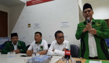 Foto Anggota DPRD Pendukung Agus-Sylvi Alihkan Suara ke Anies-Sandi
