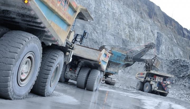 Foto Berita 2018, Adaro Turunkan Produksi Batu Bara