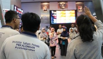 Foto Gaet Investor Muda, BEI Gelar Kompetisi