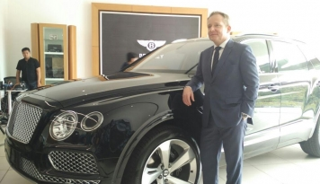 Foto Bentley Bentayga Resmi Diperkenalkan di Indonesia