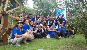 Foto Hut ke-60 BCA Diisi dengan Gerak Jalan dan Berbagi Buku di Makassar