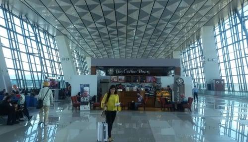 Foto Bandara Soetta Bakal Buat Halte Khusus Taksi Online?