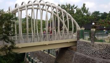 Foto Jembatan Grawah Roboh, Pemprov Jawa Tengah Alokasikan Rp6,1 Miliar Bangun Jembatan Baru