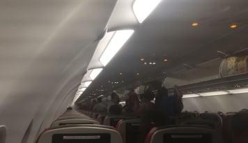 Foto Gara Gara Ulah Penumpang, Malaysia Airline Terpaksa Kembali ke Melbourne